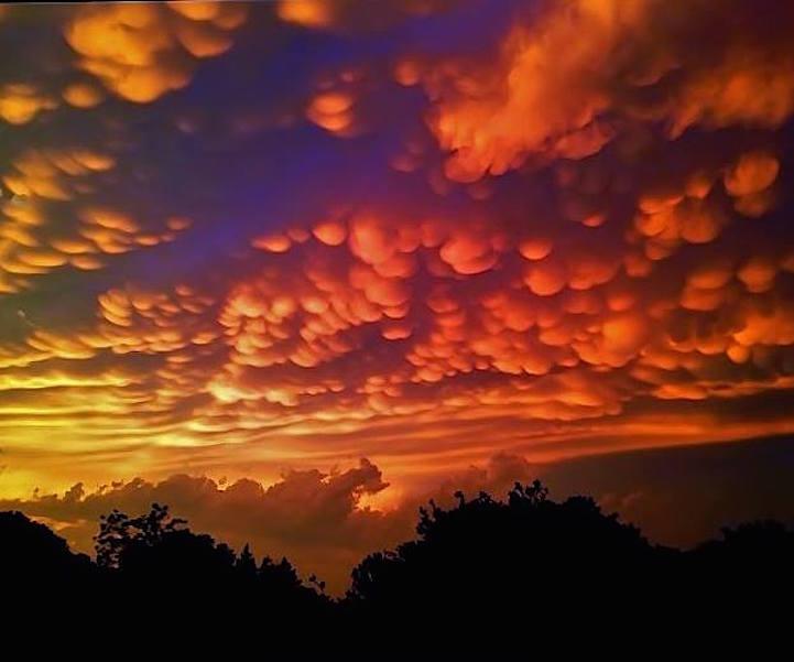 fotos nubes mastodónticas