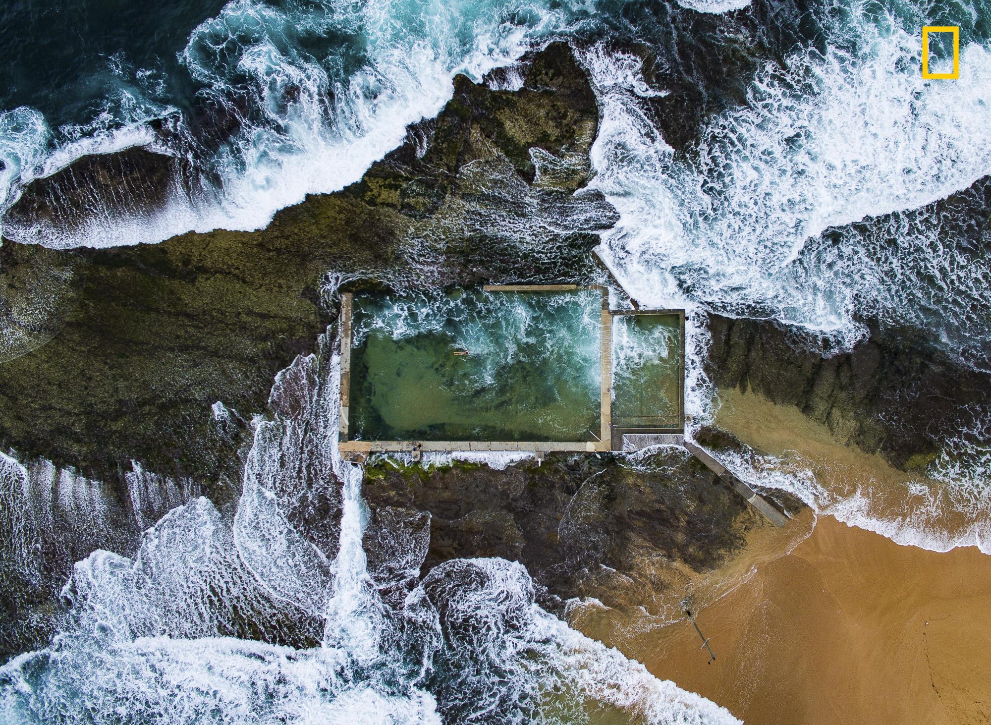 Ganador en la categoría de fotografía aérea del 2017 National Geographic Nature Photographer of the Year: Todd Kenedy con Piscina de Roca