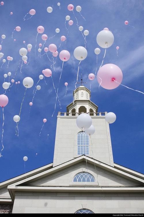 Boda globos iglesia
