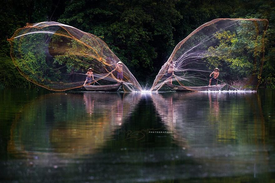 Visions-of-Vietnam-16-Images-by-Photographic-Artist-Nguyen-Vu-Phuoc2__880