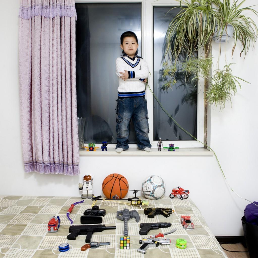 Li Yi Chen, China. Toy Stories, Gabriele Galimberti