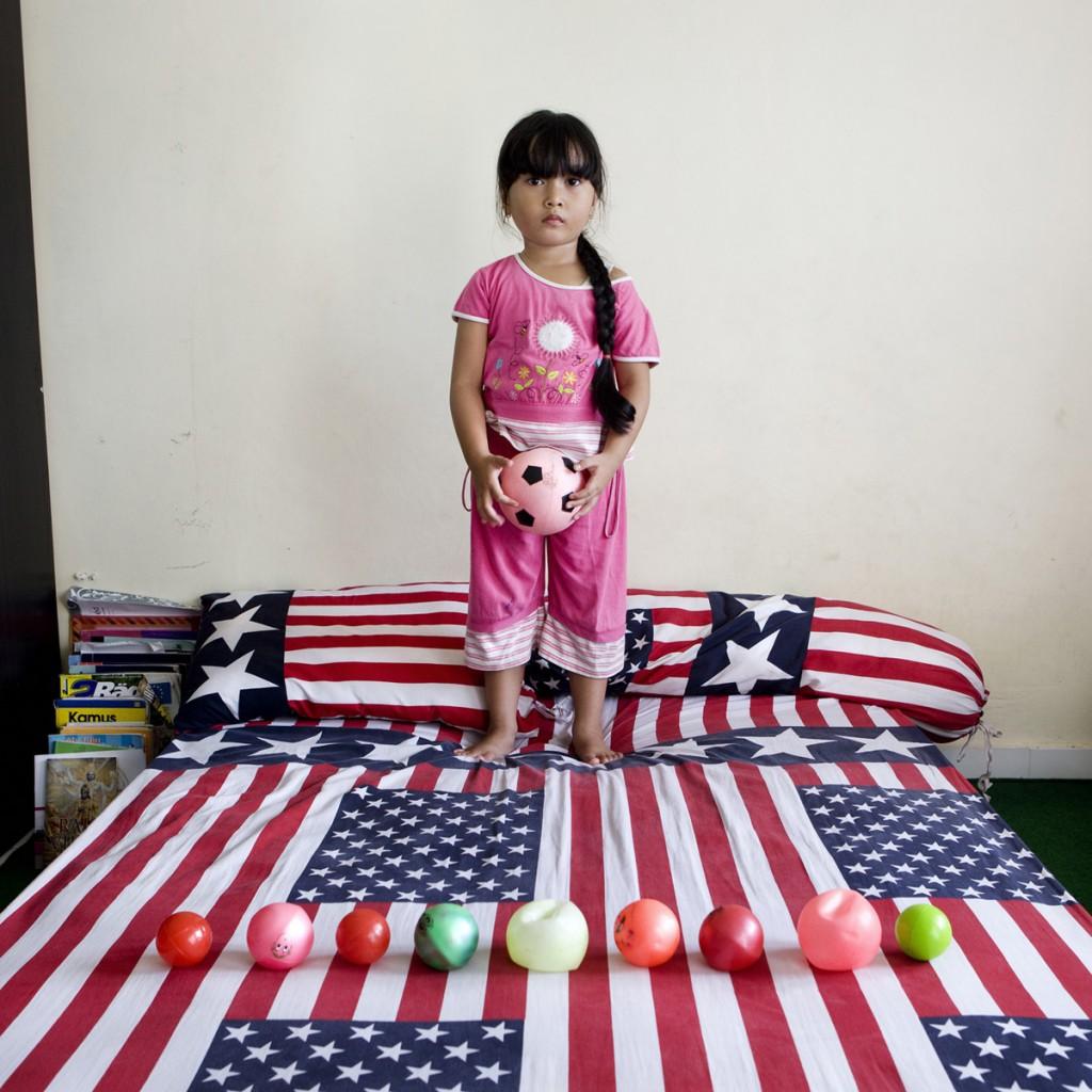 Puput, Indonesia. Toy Stories, Gabriele Galimberti