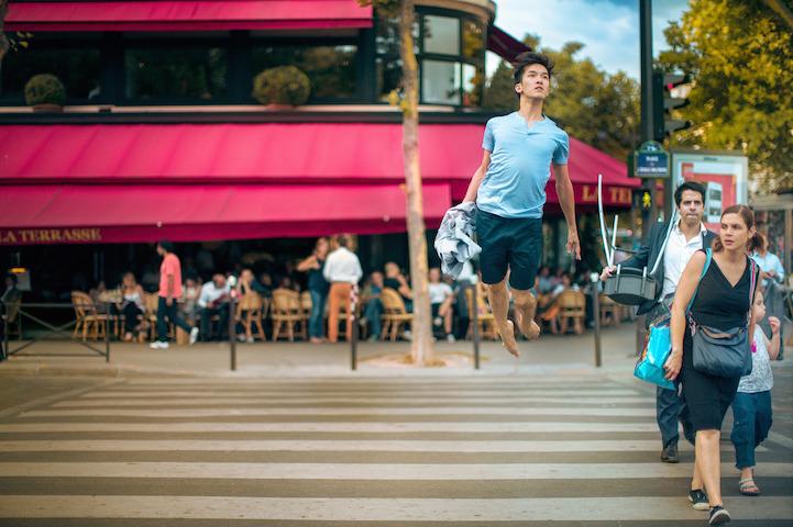 fotos de un bailarín levitando