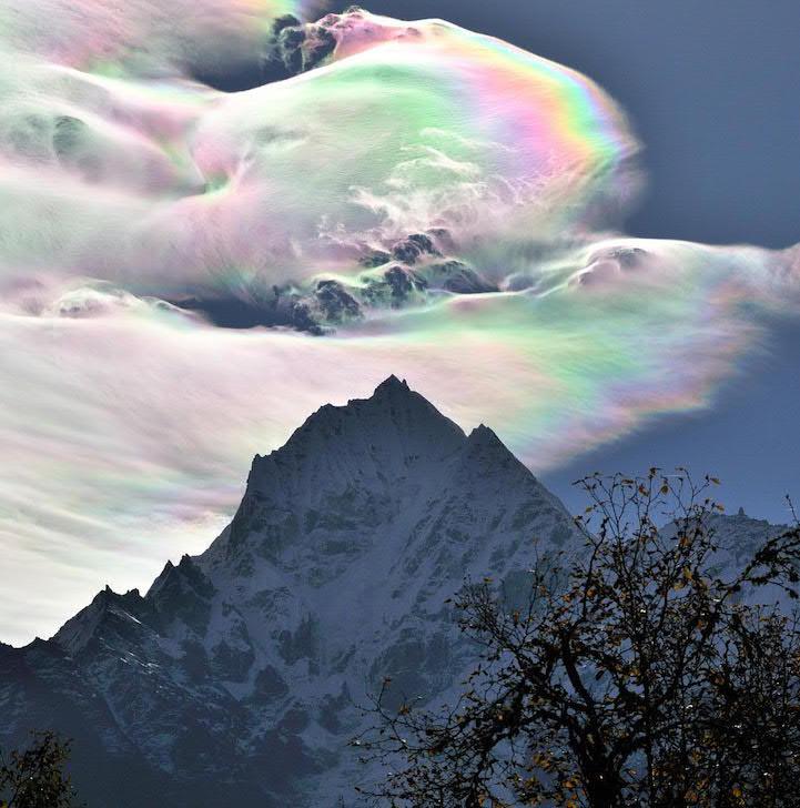 fotos nubes iridiscentes