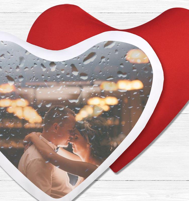 Cojín corazón con foto de boda