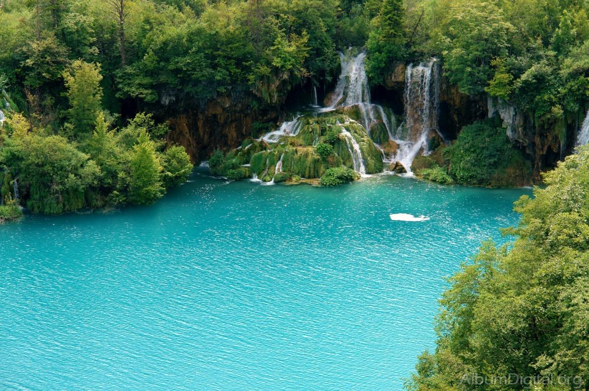 Agua azul turquesa - Libros para relajar la mente ...