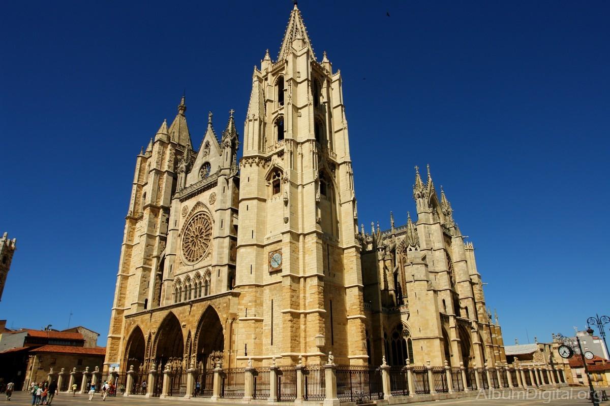 Resultat d'imatges de Catedral de León