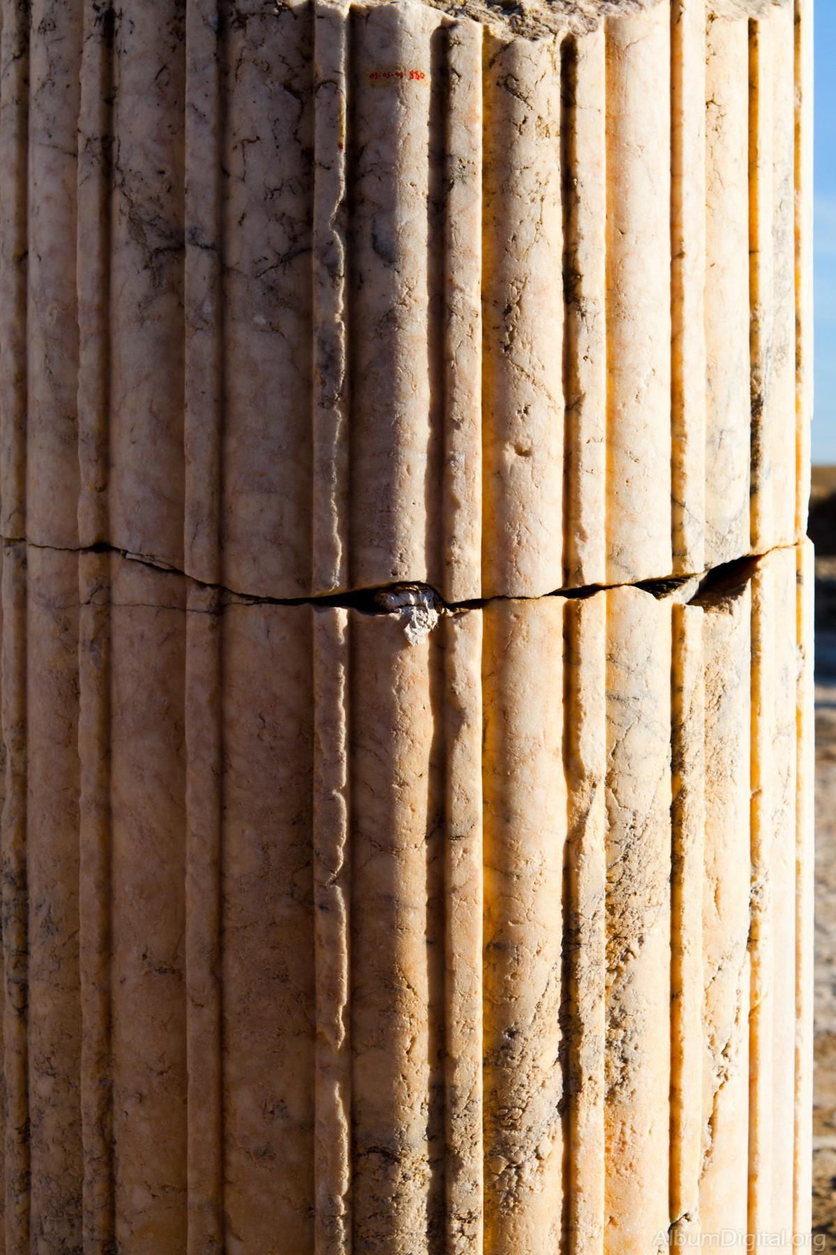 Columna romana de marmol - Columna de marmol ...