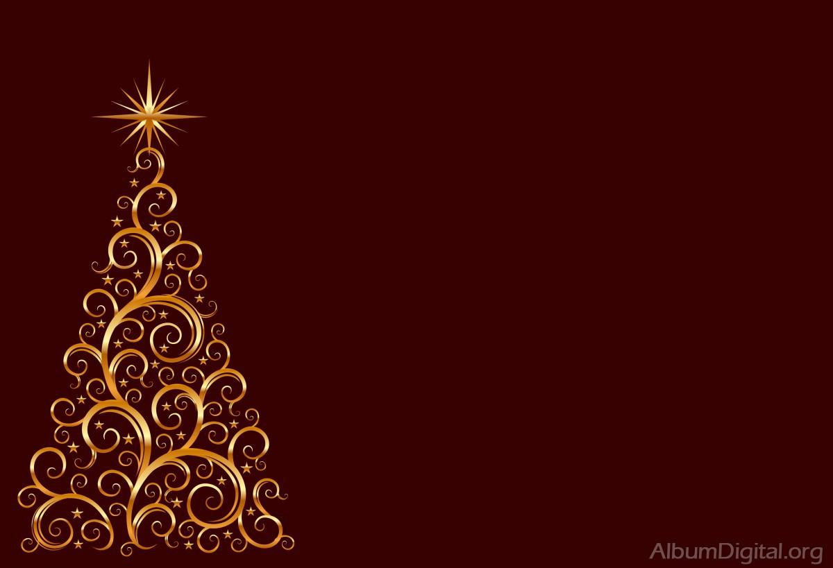 Bolas De Navidad Rojas Sobre Fondo Verde: Arbol De Navidad Rojo. Saln Decorado De Navidad Con Rbol Y