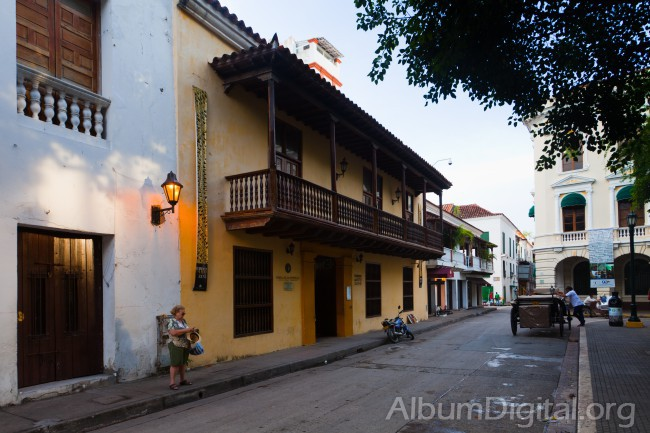 Ultimas luces en Cartagena de Indias